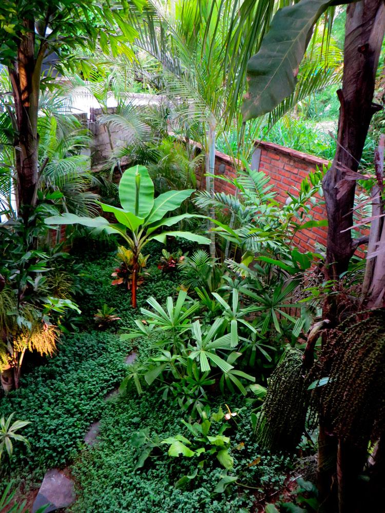 Villa-Zafiros-022-garden-view.jpg