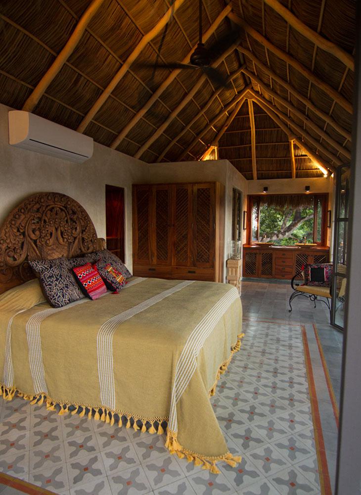 Villa-Zafiros-014-master-suite.jpg