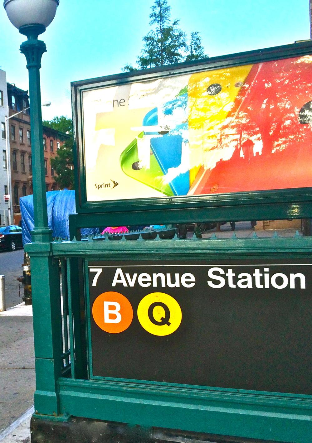 En face du métro