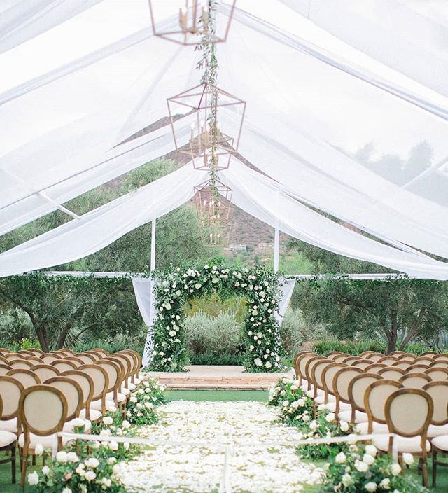 Finally getting to some our fall work. I'm kinda the worst at photos. 😬 This was such an amazing wedding. The ceremony and reception were in an open air tent. One of the biggest flips we have ever done. But so worth it. Whites with hints of blush are always tried and true and so timeless. . Photo: @andrewjadephoto Planning/Design: @imoni_events @sarrahgaboury Venue: @elchorroweddings Rentals: @eventrentsaz