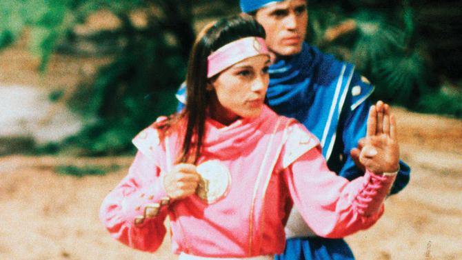 amy-jo-johnson-power-ranger-pink-ranger.jpg