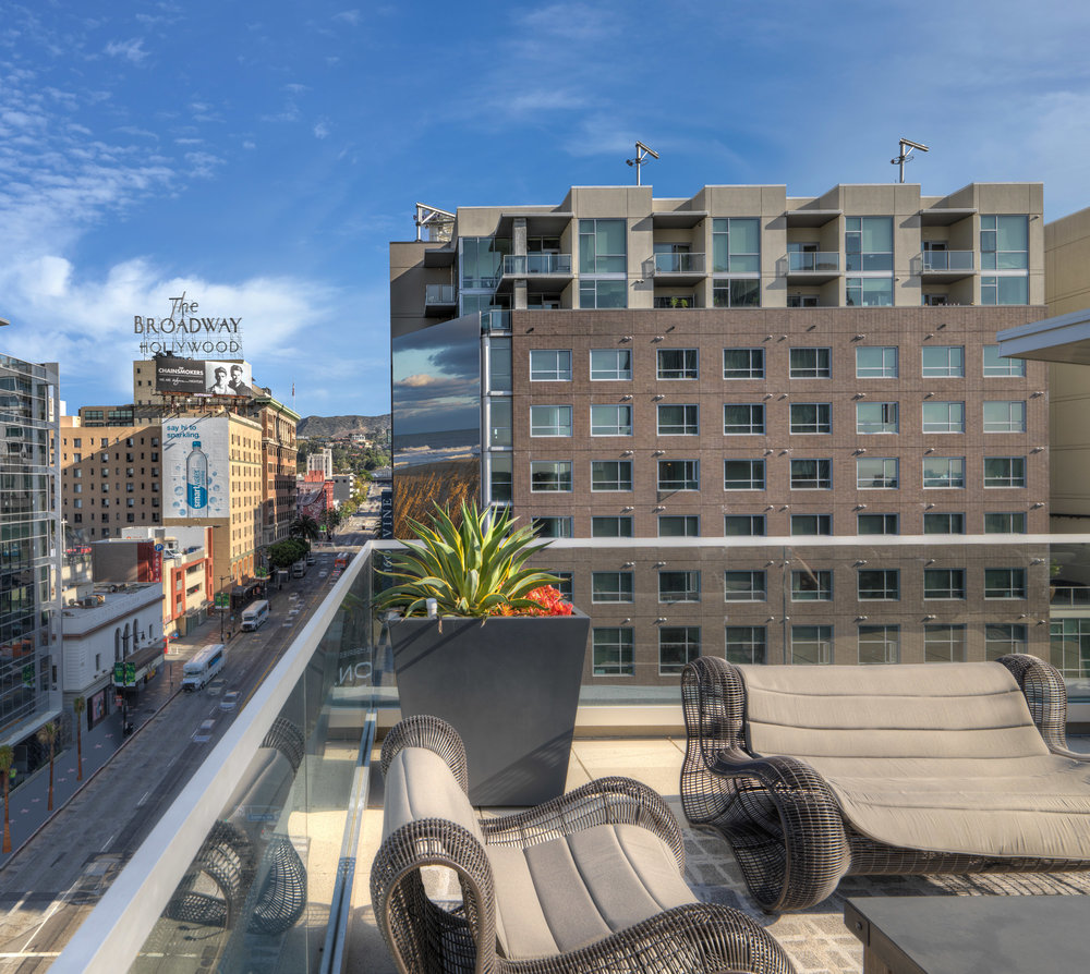 ... The Camden Apartments Hollywood California Roof Deck Lounge  ...