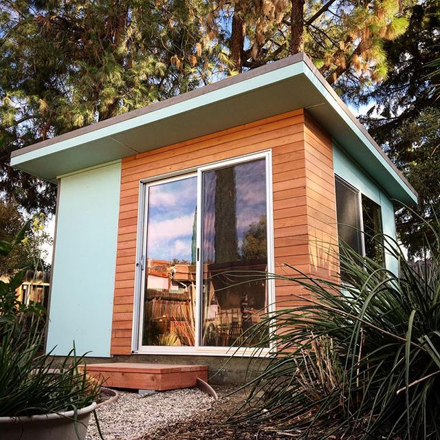 Loving this color! #modernspacesandsheds #modernarchitecture #shed #minimalism #moderndesignideas #homeoffice #backyarddesign #davisca