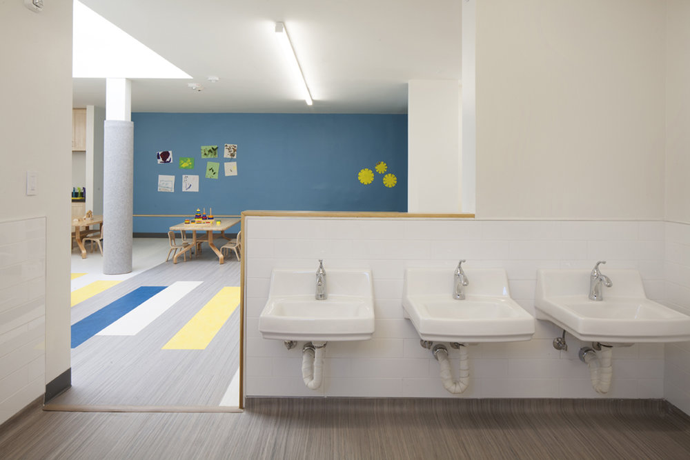 5-Childrens bathroom_0199sm.jpg