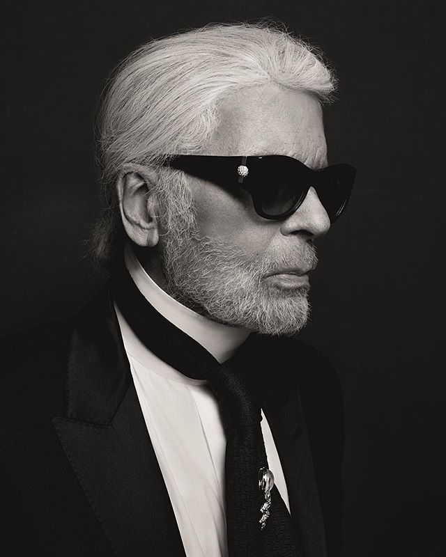 🥀#lostforwords #karllagerfeld you will be forever missed #RIP love #Foxbait 🖤🖤🖤 #Repost @karllagerfeld ・・・ The House of KARL LAGERFELD shares, with deep emotion and sadness, the passing of its artistic director, Karl Lagerfeld, on February 19, 2019, in Paris, France. He was one of the most influential and celebrated designers of the 21st century and an iconic, universal symbol of style. Driven by a phenomenal sense of creativity, Karl was passionate, powerful and intensely curious. He leaves behind an extraordinary legacy as one of the greatest designers of our time, and there are no words to express how much he will be missed.
