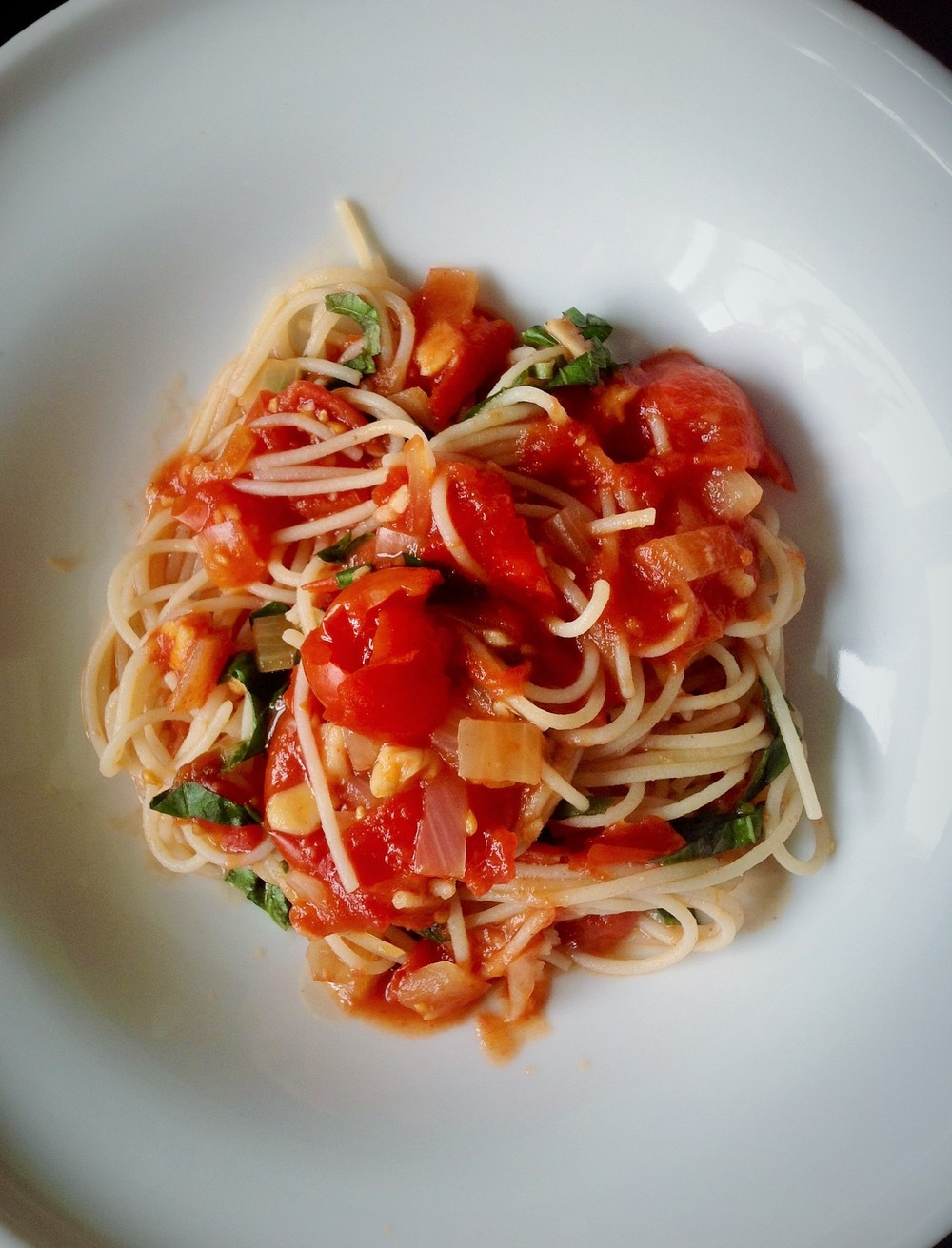 Brown Rice Pasta with Garlic Tomato Sauce