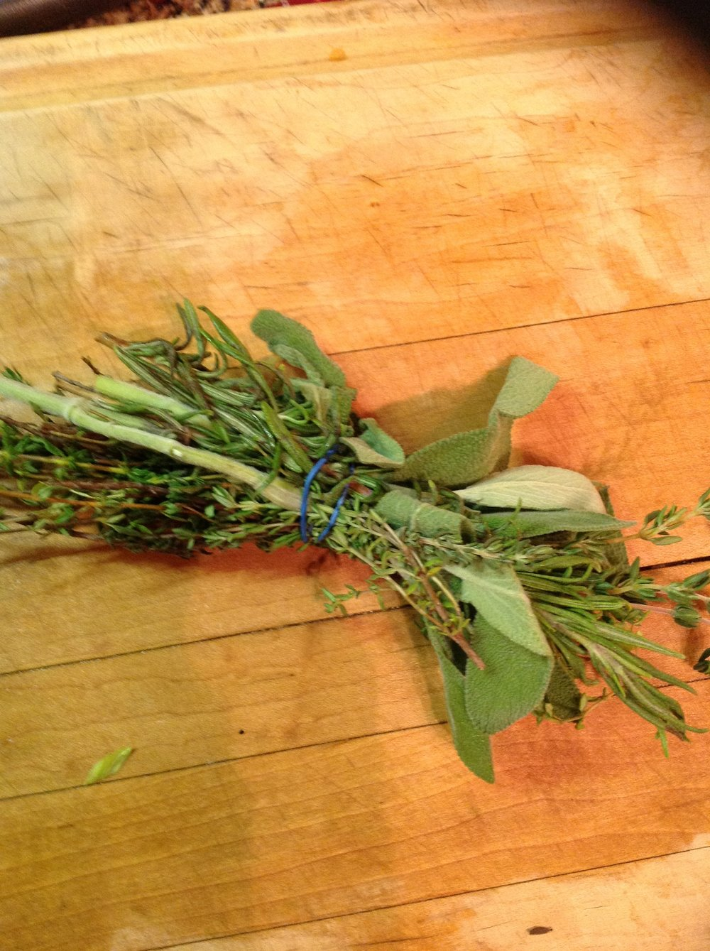 "Chef's Healthy Tip: For traditional flavor, a Bouquet Garni ""little bundle"" of sage, rosemary, and thyme can be added to grains during the cooking"
