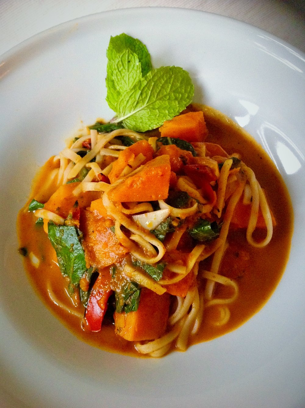 Red Kuri Squash Red Curry - Healthy, Plant-Based, Gluten-Free, Oil-Free, Vegan Thai Asian Spicy Dinner Stir-Fry Entree