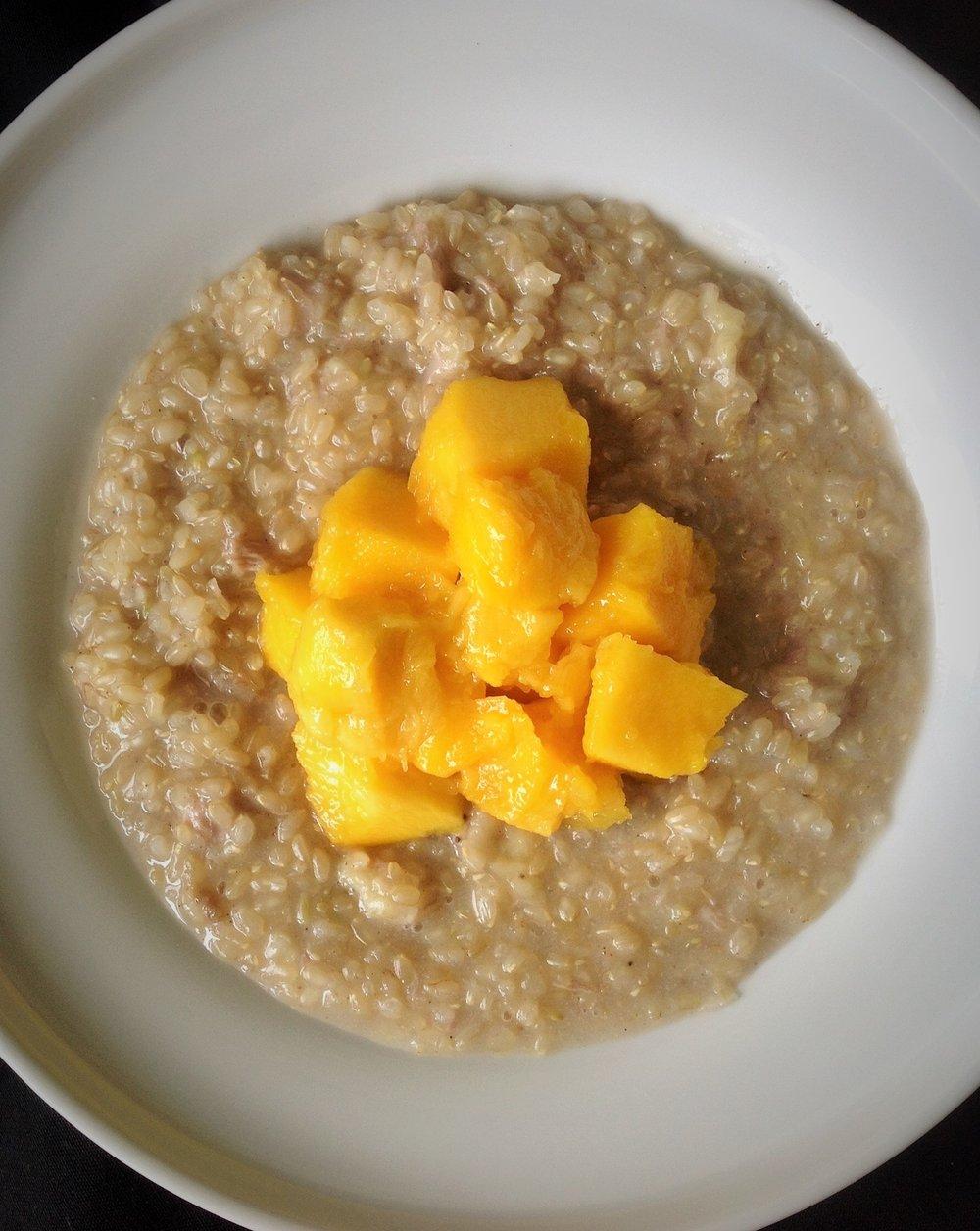 Cardamom Sweet Rice Pudding with Mango