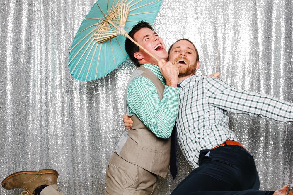 grin-and-bear-booth-photobooth-180947.jpg