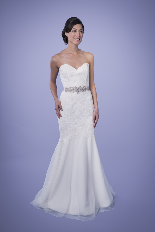 Reagan Sweetheart Lace Trumpet Wedding Gown Size 12 Trish Lee