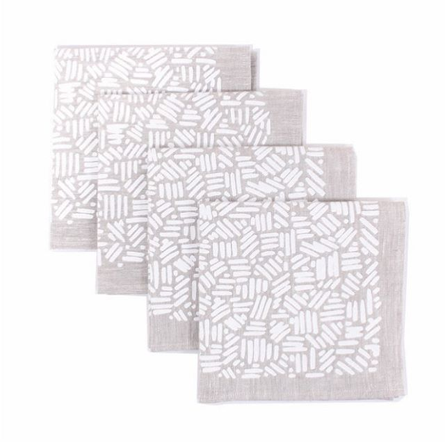 We're giving away these napkins over at @merrygolden_ !!! Head over to Dallas' page to enter. Give them as a gift this holiday season or keep them for yourself - it'll be our little secret 😉. . . .  #liveauthentic #makersmovement #makermade #homedecor #sodomino #giveaway #contest #giftideas #holidaydecor #createdtocreate
