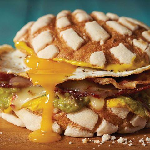 H-E-B's Concha Breakfast Sandwich (Photo: H-E-B/Facebook)