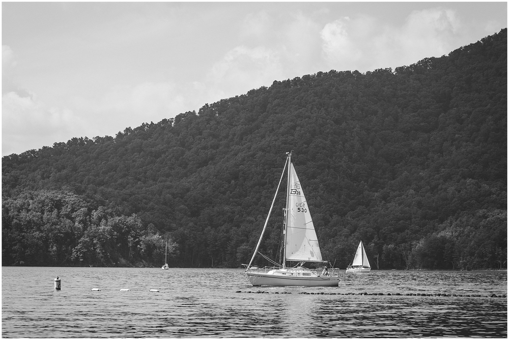 watauga-lake-butler-tn-lakeshore-marina-katy-sergent-photography-outdoors-lifestyle-wedding-photographer_0008.jpg