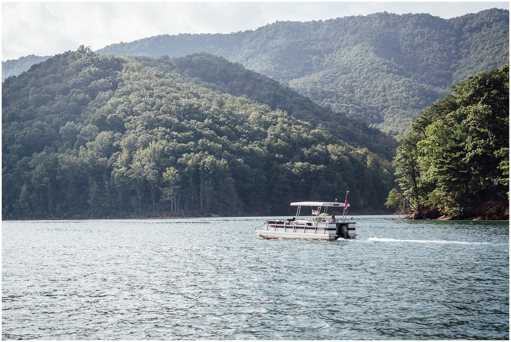 watauga-lake-butler-tn-lakeshore-marina-katy-sergent-photography-outdoors-lifestyle-wedding-photographer_0021.jpg