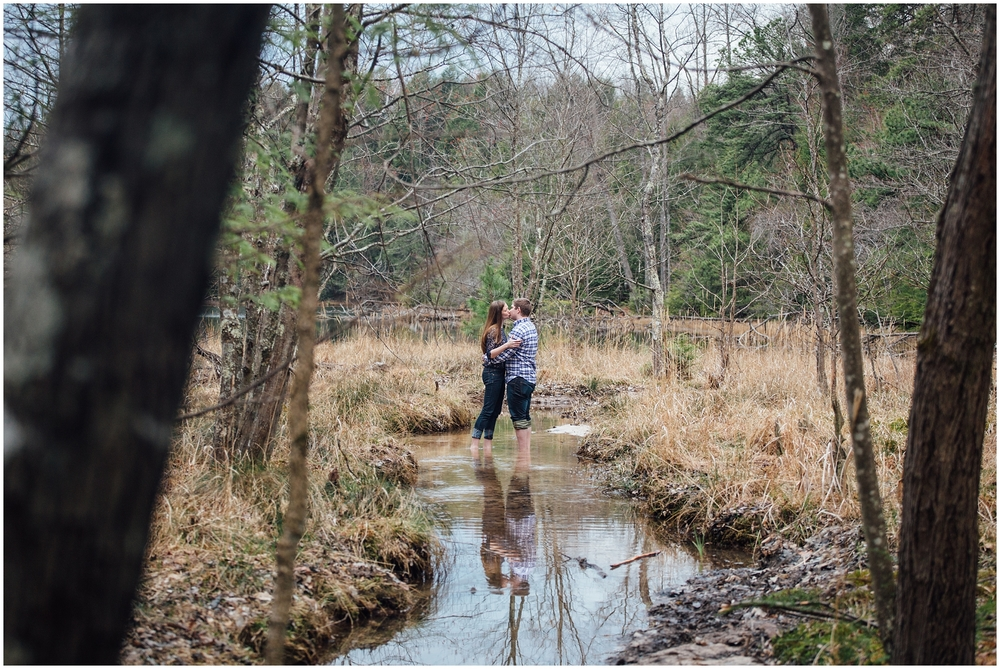 bays-mountain-park-engagement-kingsport-tennessee-jeep-wrangler-sahara-katy-sergent-photography-wedding-photographer_0023.jpeg