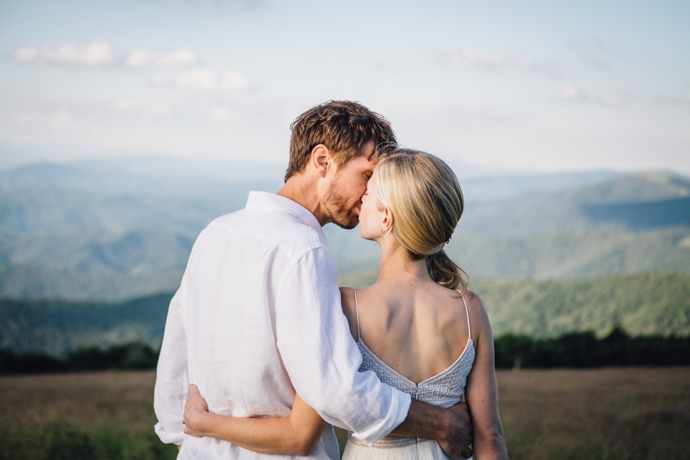 katy-sergent-photography-roan-mountain-elopement-wedding-north-carolina-tennessee-photographer_0003.jpg