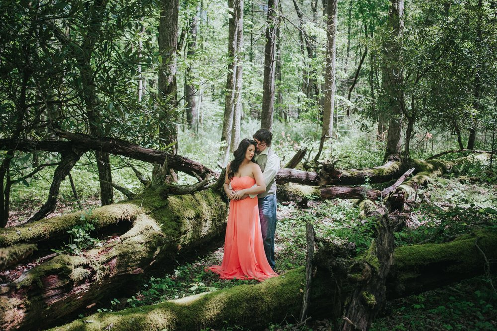 katy-sergent-photography-cades-cove-engagement-gatlinburg-tennessee-pigeon-forge-great-smoky-mountains_0001.jpg