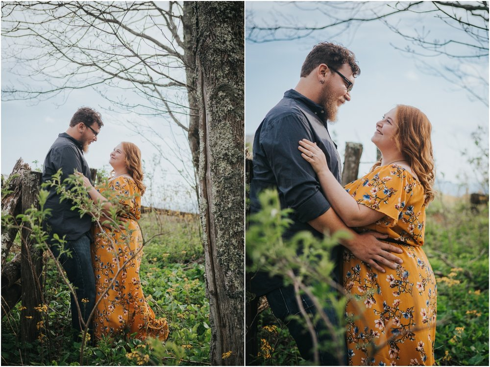 katy-sergent-photography-beauty-spot-unaka-mountain-engagement-blue-ridge-mountains-appalachian-trail-adventurous-couple-elopement-johnson-city-wedding-photographer_0001.jpg