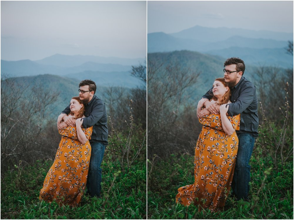 katy-sergent-photography-beauty-spot-unaka-mountain-engagement-blue-ridge-mountains-appalachian-trail-adventurous-couple-elopement-johnson-city-wedding-photographer_0029.jpg
