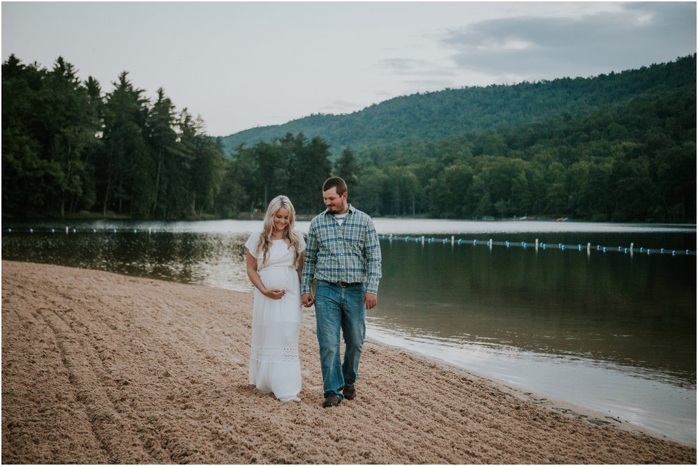 katy-sergent-photography-johnson-city-tennessee-northest-tn-elopement-intimate-wedding-photographer-outdoors-adventurous-couples-adventure-lovers_0031.jpg