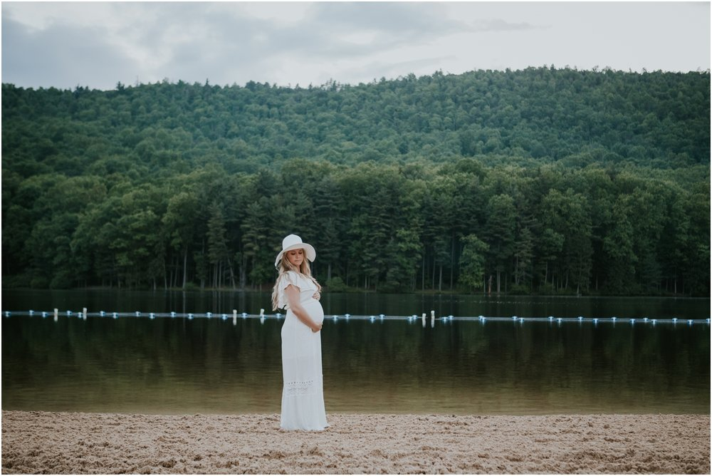 katy-sergent-photography-johnson-city-tennessee-northest-tn-elopement-intimate-wedding-photographer-outdoors-adventurous-couples-adventure-lovers_0028.jpg