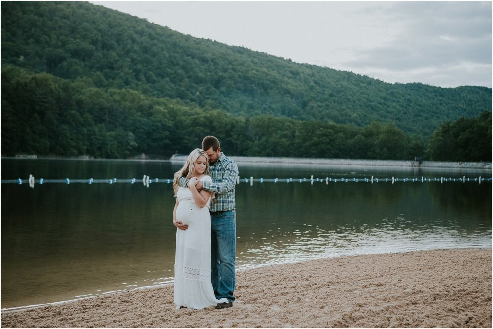 katy-sergent-photography-johnson-city-tennessee-northest-tn-elopement-intimate-wedding-photographer-outdoors-adventurous-couples-adventure-lovers_0030.jpg