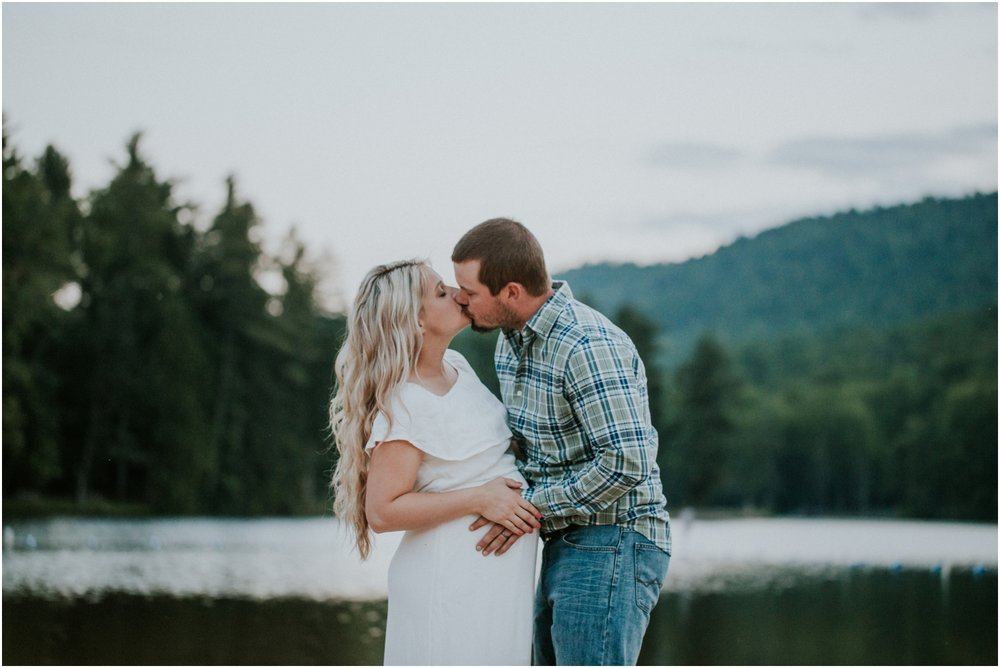 katy-sergent-photography-johnson-city-tennessee-northest-tn-elopement-intimate-wedding-photographer-outdoors-adventurous-couples-adventure-lovers_0036.jpg