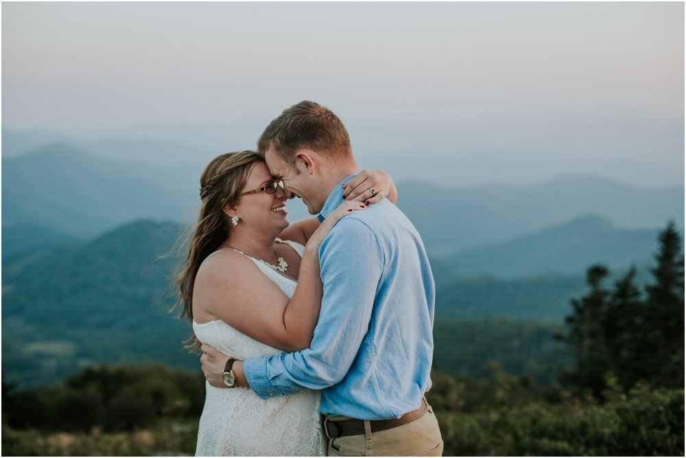 katy-sergent-photography-northeast-tn-johnson-city-roan-mountain-north-carolina-asheville-adventurous-couples-hiking-engagement-session-blue-ridge_0030.jpg