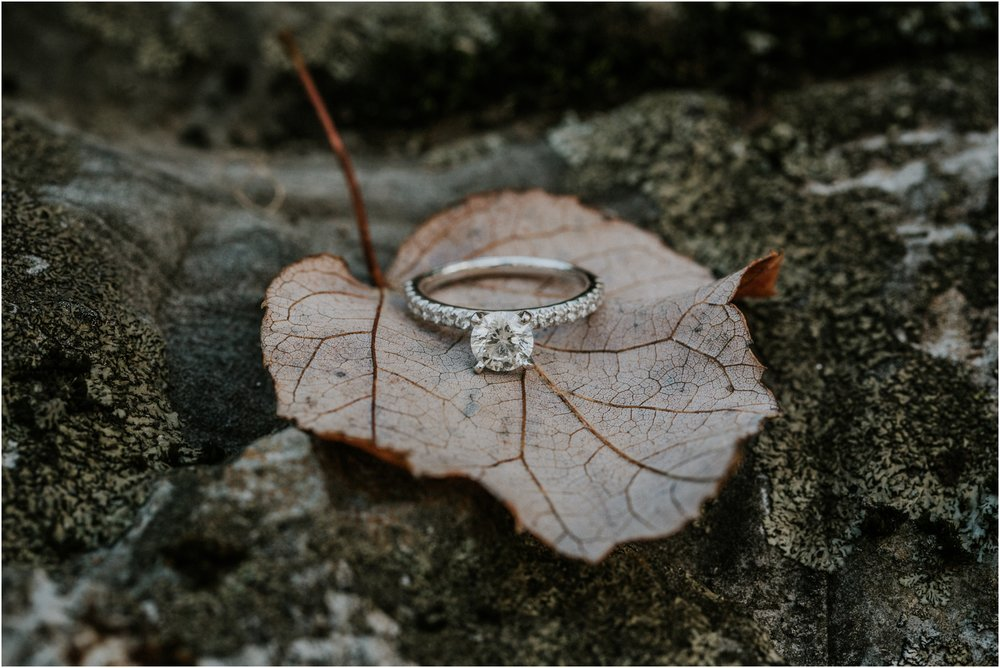 katy-sergent-millstone-limestone-tn-rustic-fall-engagement-session-adventurous-outdoors-intimate-elopement-wedding-northeast-johnson-city-photographer_0008.jpg