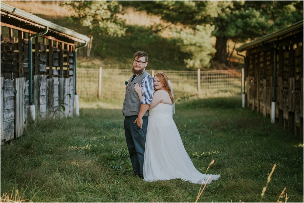abingdon-virginia-rustic-fall-4hcenter-wedding-photography_0073.jpg