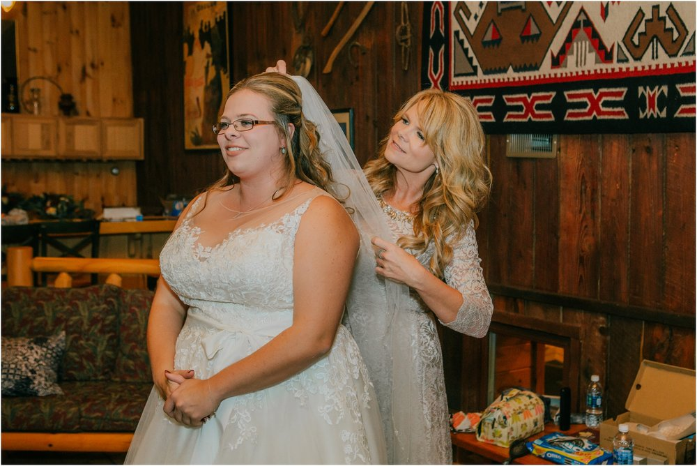 Sugar-Hollow-Retreat-Butler-Elizabethton-Tennessee-Rustic-Rainy-Wedding-Adventurous-Couple_0037.jpg