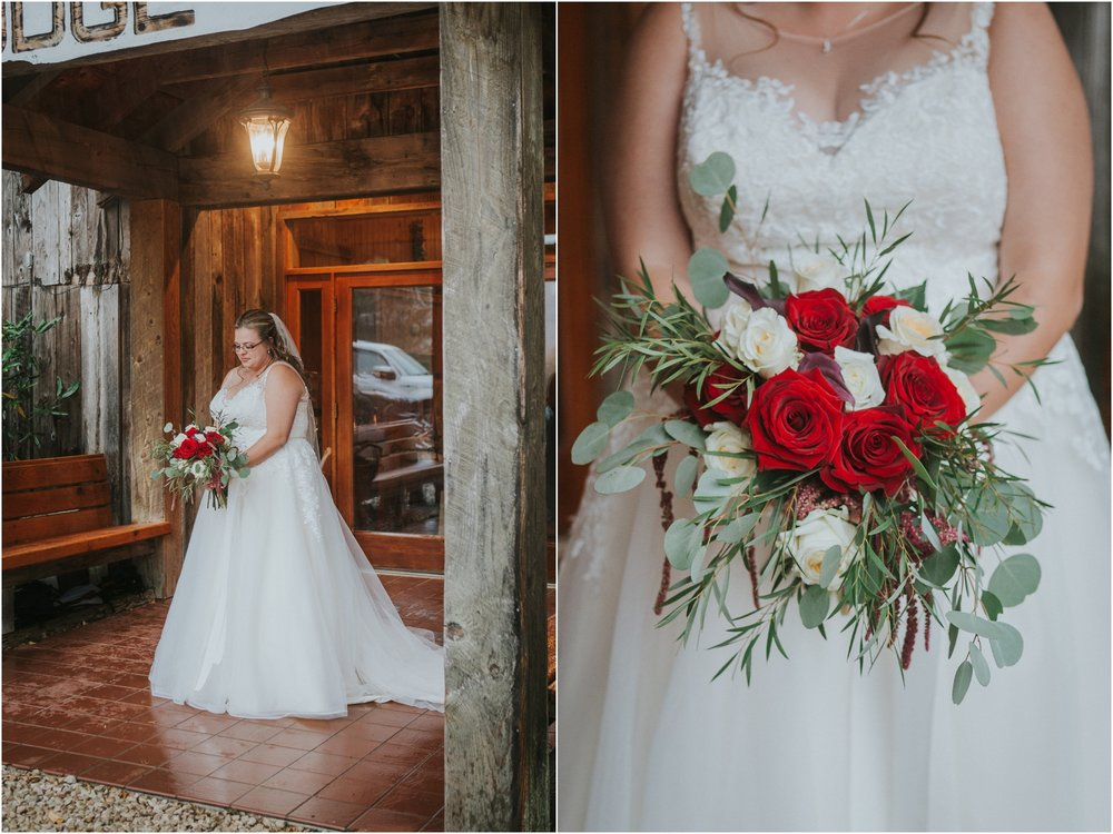 Sugar-Hollow-Retreat-Butler-Elizabethton-Tennessee-Rustic-Rainy-Wedding-Adventurous-Couple_0045.jpg