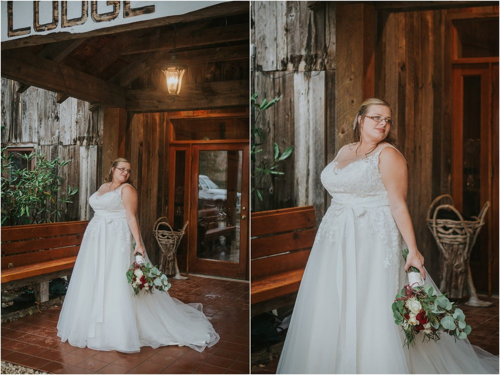 Sugar-Hollow-Retreat-Butler-Elizabethton-Tennessee-Rustic-Rainy-Wedding-Adventurous-Couple_0048.jpg
