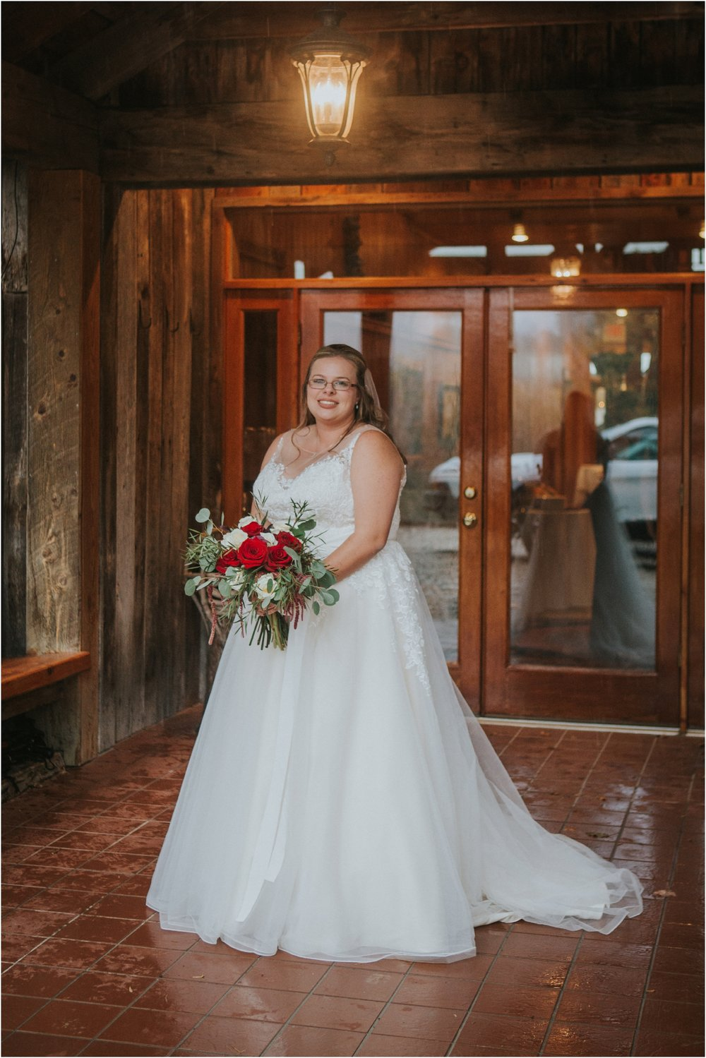 Sugar-Hollow-Retreat-Butler-Elizabethton-Tennessee-Rustic-Rainy-Wedding-Adventurous-Couple_0067.jpg