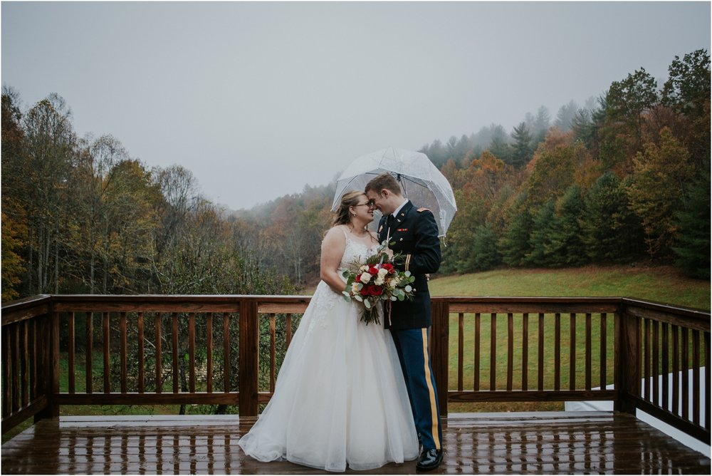 Sugar-Hollow-Retreat-Butler-Elizabethton-Tennessee-Rustic-Rainy-Wedding-Adventurous-Couple_0101.jpg