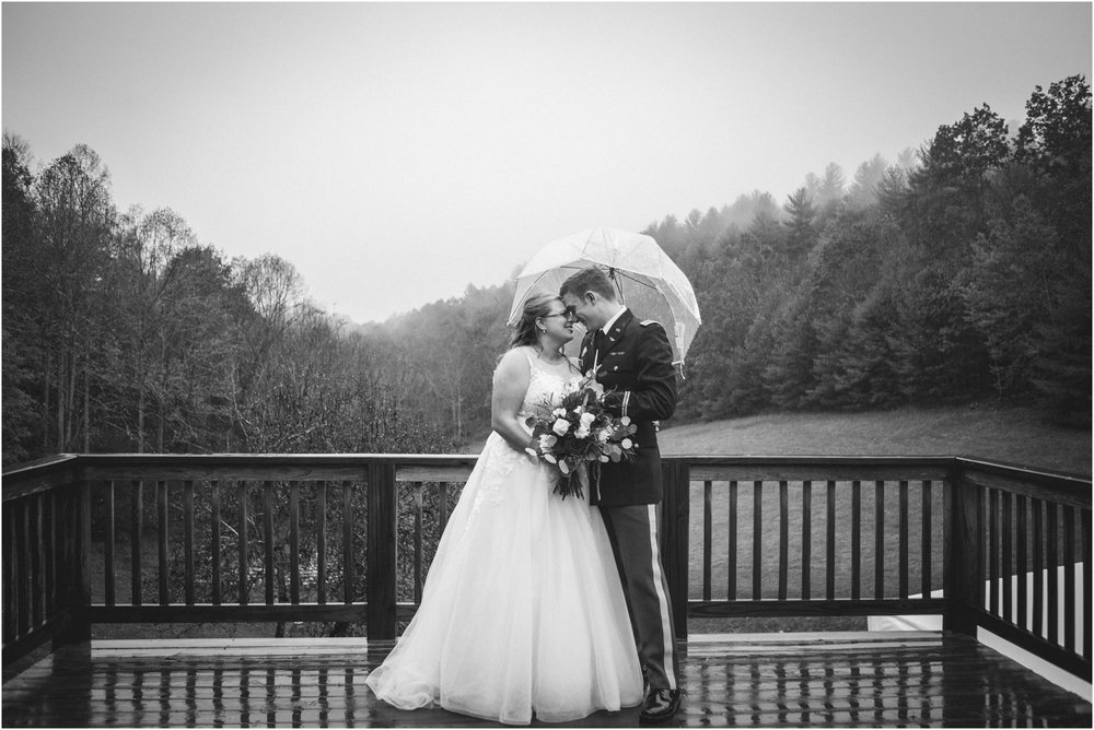 Sugar-Hollow-Retreat-Butler-Elizabethton-Tennessee-Rustic-Rainy-Wedding-Adventurous-Couple_0102.jpg