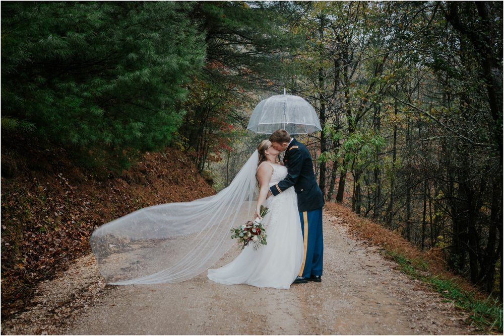 Sugar-Hollow-Retreat-Butler-Elizabethton-Tennessee-Rustic-Rainy-Wedding-Adventurous-Couple_0110.jpg