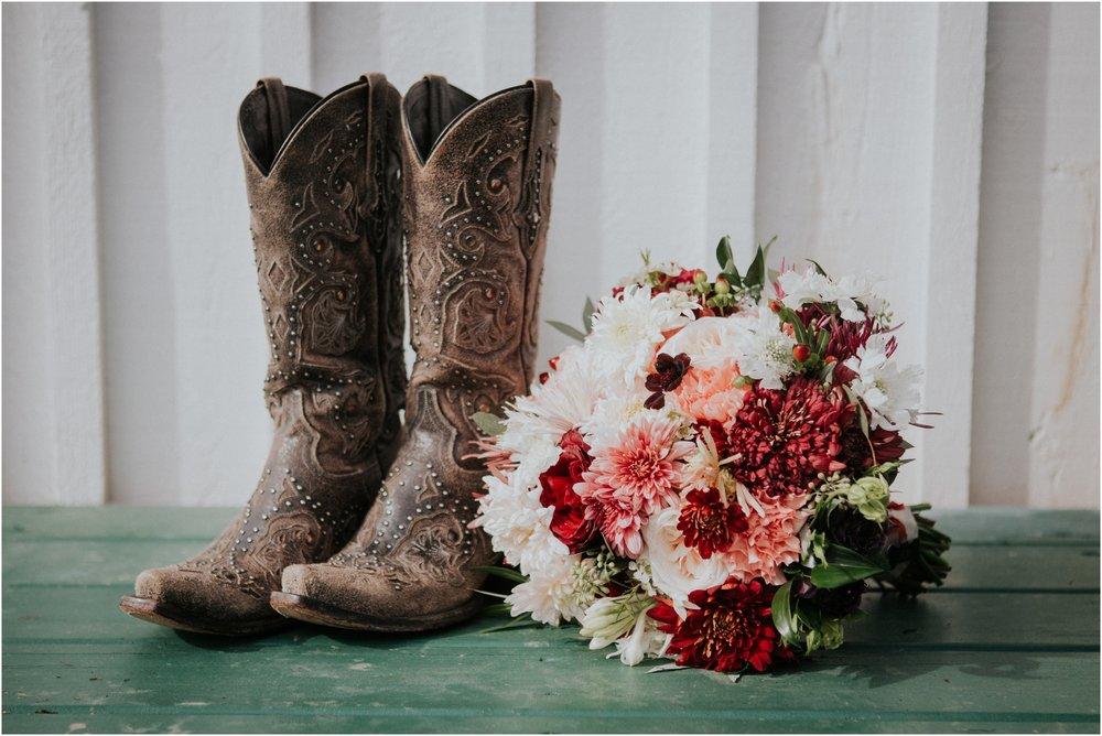 warm-springs-old-dairy-virginia-rustic-wedding-northeast-tennessee-elopement-adventuruous-photographer-katy-sergent_0011.jpg