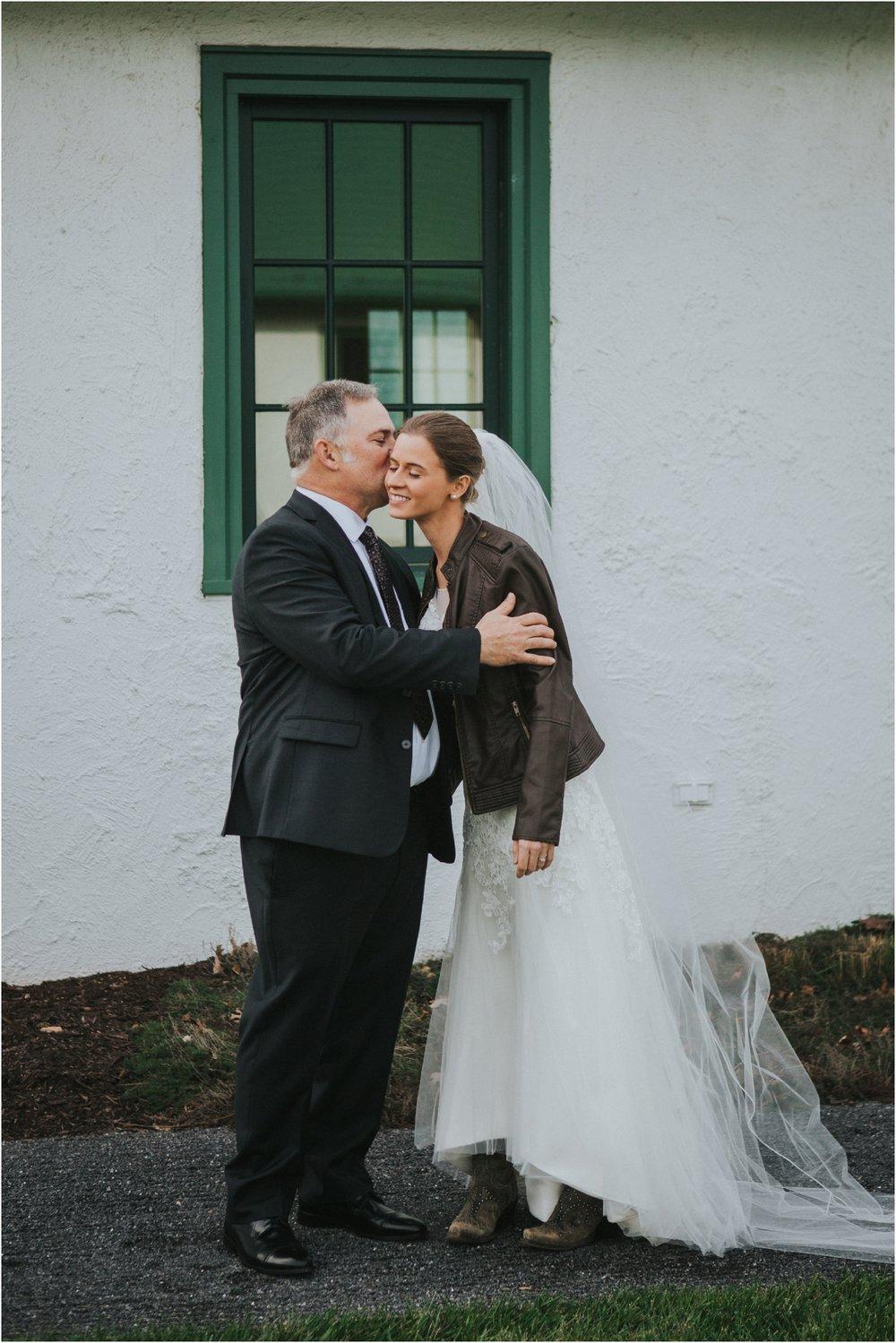 warm-springs-old-dairy-virginia-rustic-wedding-northeast-tennessee-elopement-adventuruous-photographer-katy-sergent_0023.jpg