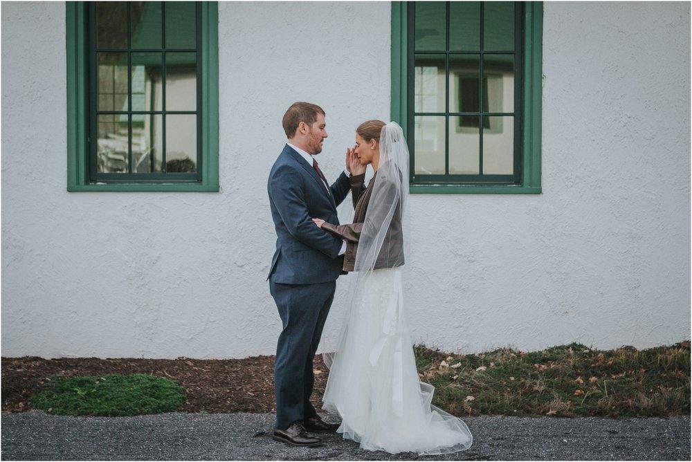 warm-springs-old-dairy-virginia-rustic-wedding-northeast-tennessee-elopement-adventuruous-photographer-katy-sergent_0028.jpg