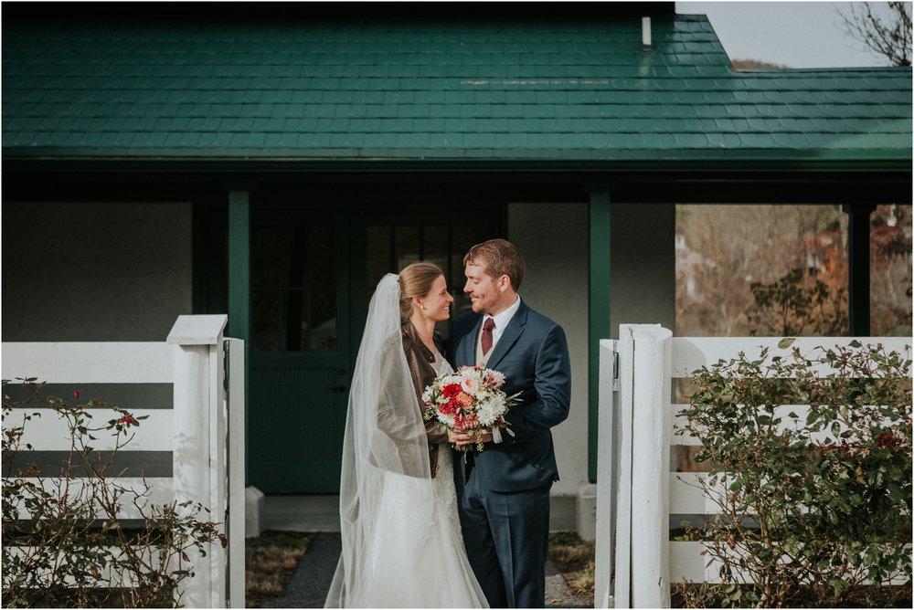 warm-springs-old-dairy-virginia-rustic-wedding-northeast-tennessee-elopement-adventuruous-photographer-katy-sergent_0032.jpg