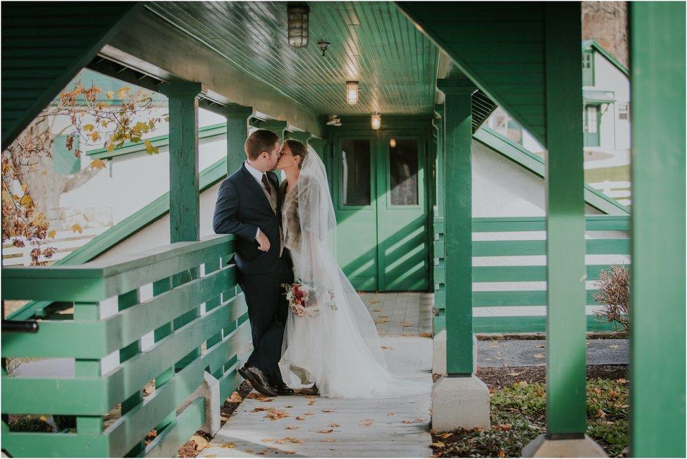 warm-springs-old-dairy-virginia-rustic-wedding-northeast-tennessee-elopement-adventuruous-photographer-katy-sergent_0035.jpg