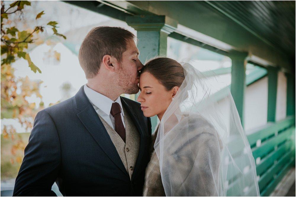 warm-springs-old-dairy-virginia-rustic-wedding-northeast-tennessee-elopement-adventuruous-photographer-katy-sergent_0038.jpg
