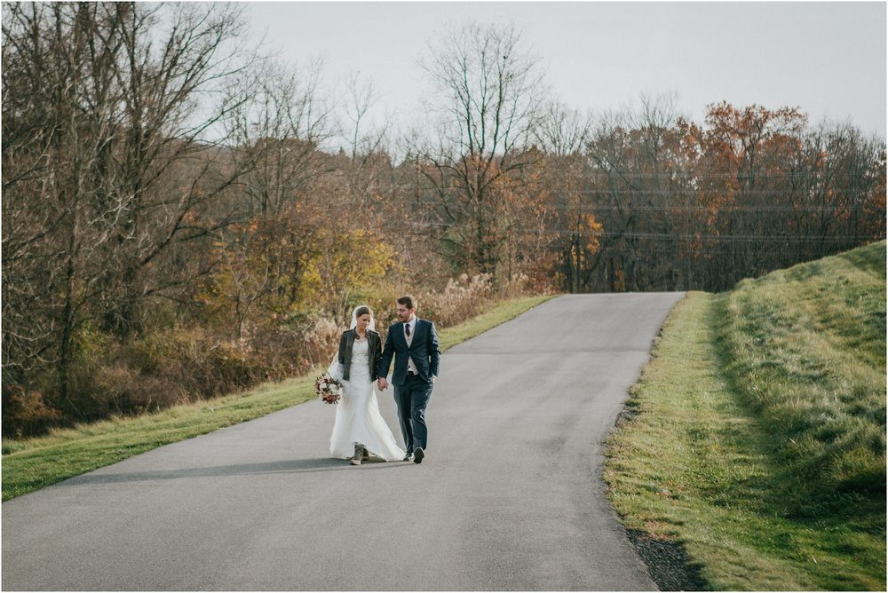 warm-springs-old-dairy-virginia-rustic-wedding-northeast-tennessee-elopement-adventuruous-photographer-katy-sergent_0041.jpg