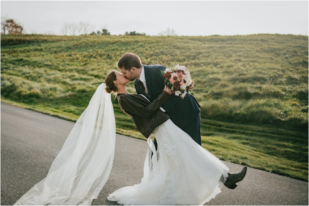 warm-springs-old-dairy-virginia-rustic-wedding-northeast-tennessee-elopement-adventuruous-photographer-katy-sergent_0042.jpg