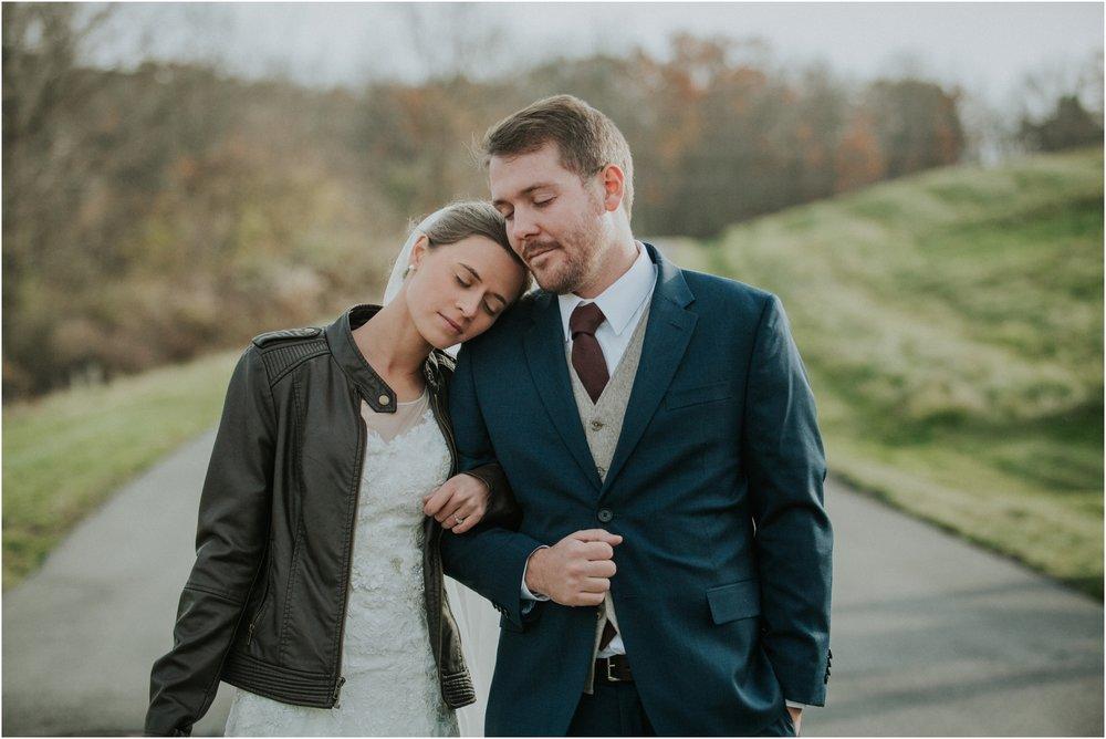 warm-springs-old-dairy-virginia-rustic-wedding-northeast-tennessee-elopement-adventuruous-photographer-katy-sergent_0044.jpg
