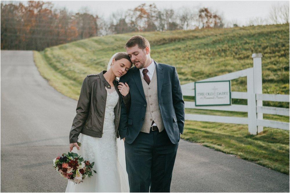 warm-springs-old-dairy-virginia-rustic-wedding-northeast-tennessee-elopement-adventuruous-photographer-katy-sergent_0045.jpg