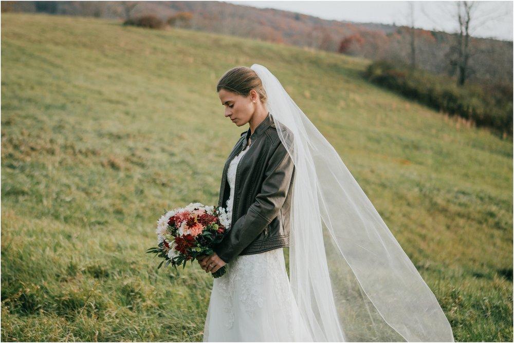 warm-springs-old-dairy-virginia-rustic-wedding-northeast-tennessee-elopement-adventuruous-photographer-katy-sergent_0057.jpg
