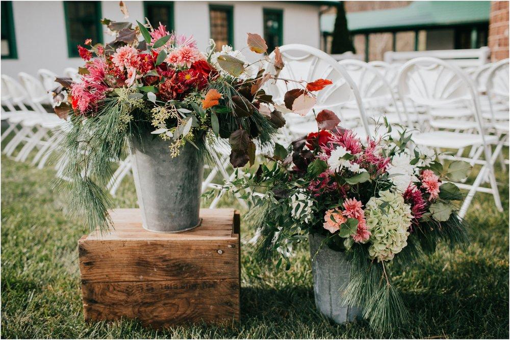 warm-springs-old-dairy-virginia-rustic-wedding-northeast-tennessee-elopement-adventuruous-photographer-katy-sergent_0075.jpg